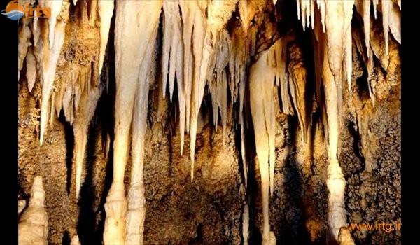 غار امجک