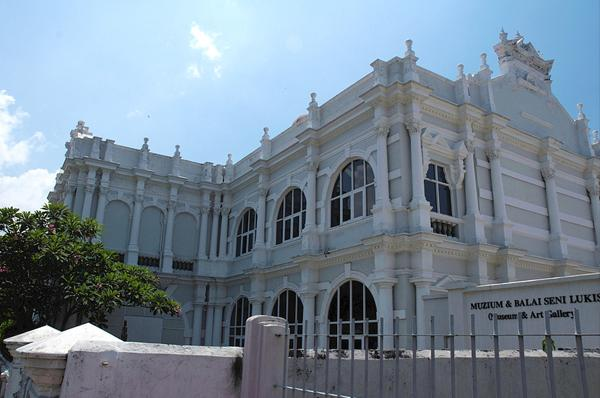 موزه و گالری هنری